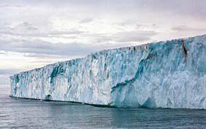 Brasvellbreen - Gletscherfront vor Nordaustlandet