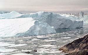 Majestätische Eisberge im Eisfjord