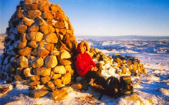 Arktische Abenteuer mit Snowscootern, Hundeschlitten und einer Eishöhle
